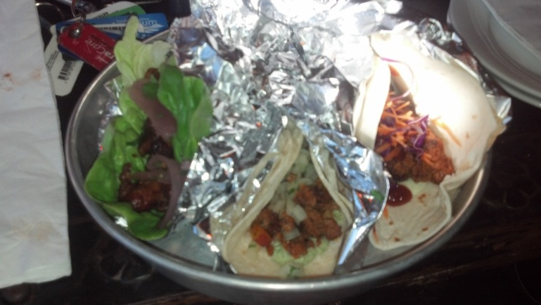 From left to right: Grilled fish on lettuce wrap, Chorizo & potato on flour, fried chicken on flour.
